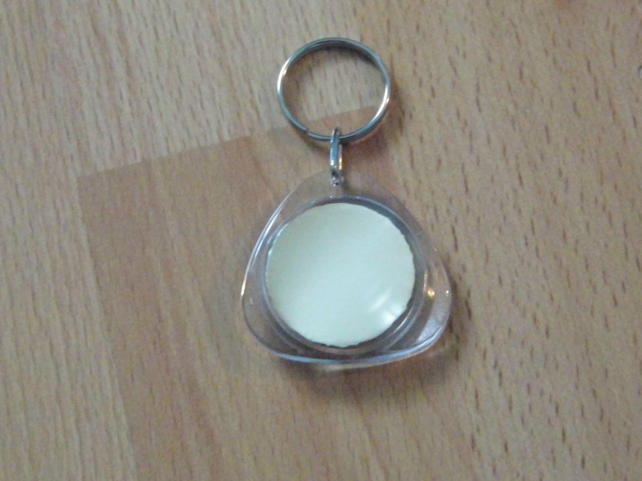 Kulcstartó triagonális kör középpel