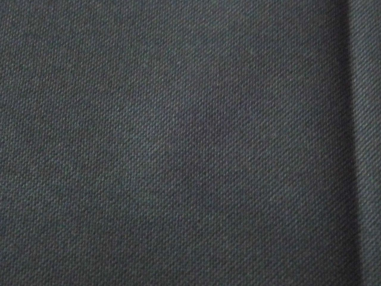 Fekete Linda 27 -140